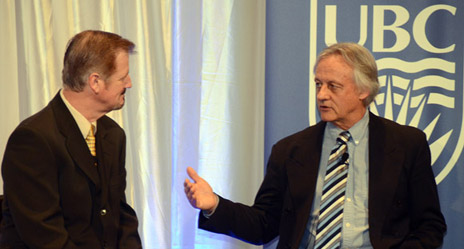 Pat Kennedy, managing director of the Central Okanagan Sports Hall of fame, left, interviews David Cox, a clinical psychologist and a professor in the Department of Psychology at Simon Fraser University, during the seventh annual Valley First/UBC Okanagan Athletics Scholarship Breakfast Thursday.