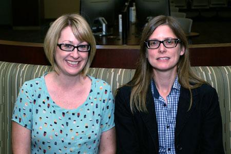 Lori Walter (left) with Centre for Scholarly Communication Coordinator Amanda Brobbel.