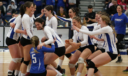 At the CIS national women's volleyball championships in Brandon, MB the Heat women's volleyball swept the UBC Thunderbirds to claim the national bronze medal.