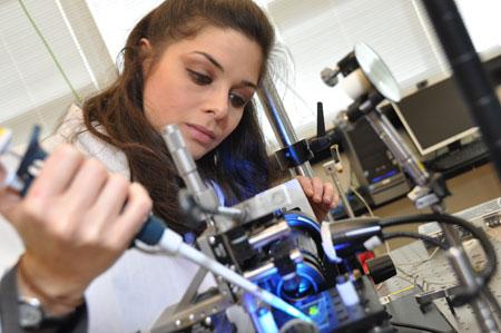 Mina Hoorfar working in her lab.