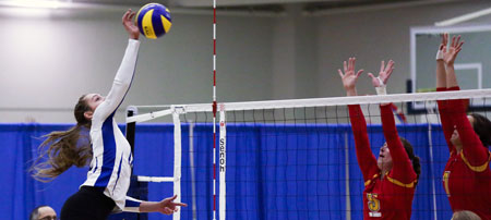 The Heat beat the visiting Dinos in a tense five-setter in the UBC Okanagan gymnasium on Friday night.