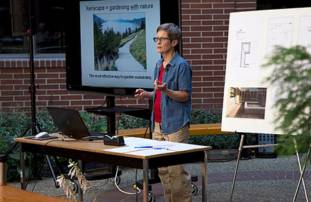 Gwen Steele presenting last year at the Gardening Club's Introduction to Xeriscaping workshop. Photo credit: Jason McLeod.