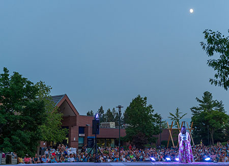 A presentation by Opera Kelowna drew hundreds of people to UBC Okanagan for Opera Under the Stars on August 2.